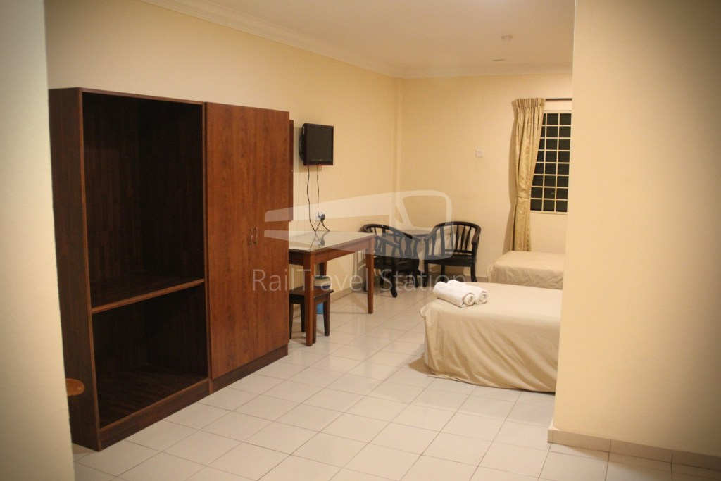 Hotel Tropicana Gemas Comfortable Hotel For A Short Overnight Transit Railtravel Station